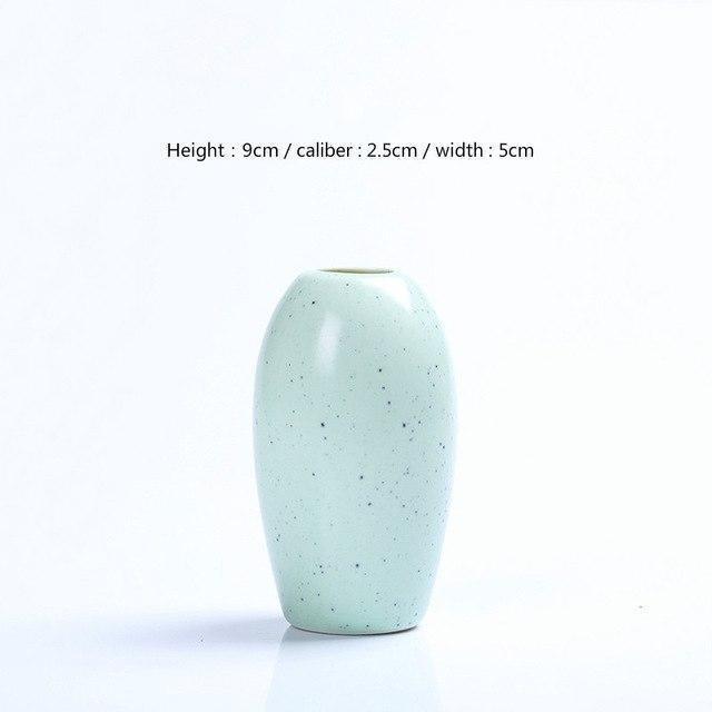 Karma by Jasmine Bergmann Vase Stone / Green