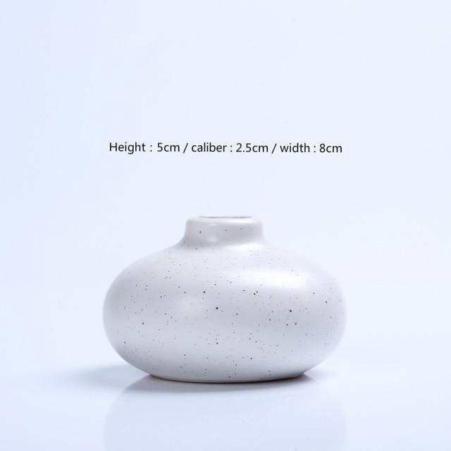 Karma by Jasmine Bergmann Vase Passion / White