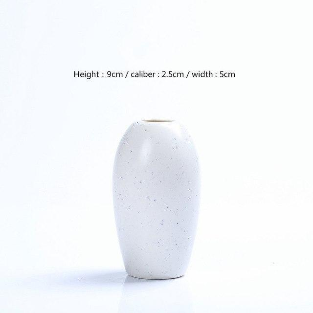 Karma by Jasmine Bergmann Vase Stone / White