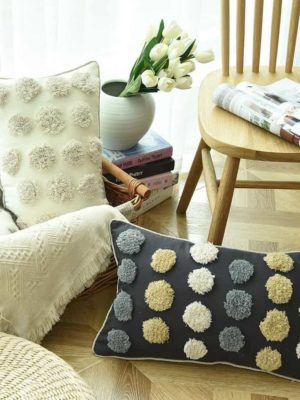 Floraisons Dots Embroidery Cushion