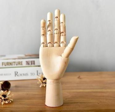 Movana Drottmovable Wooden Figure Decor Clean hand