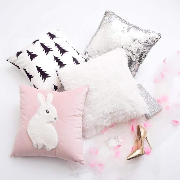 French Kiss Celiné Cushion