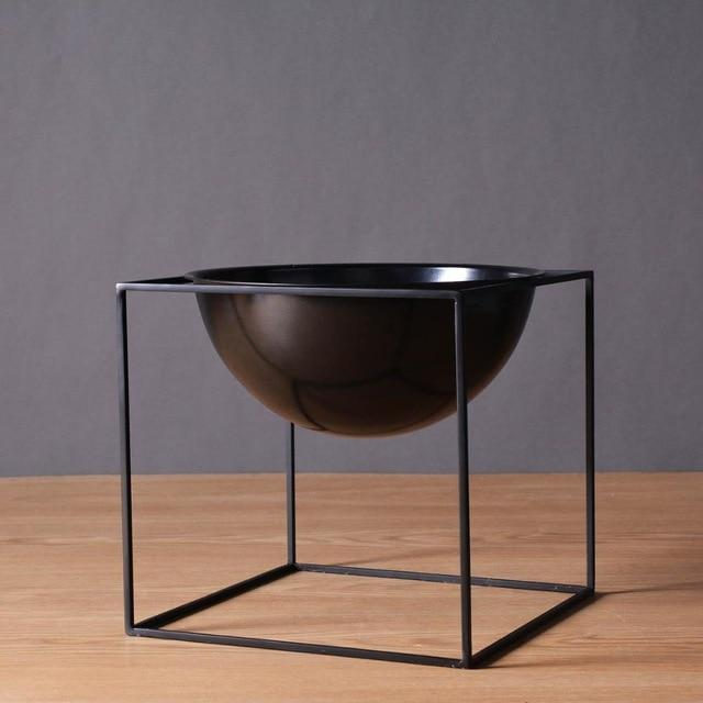 BW Cube by Henry Jacobsson / Plant Pot Vase True Black / Large