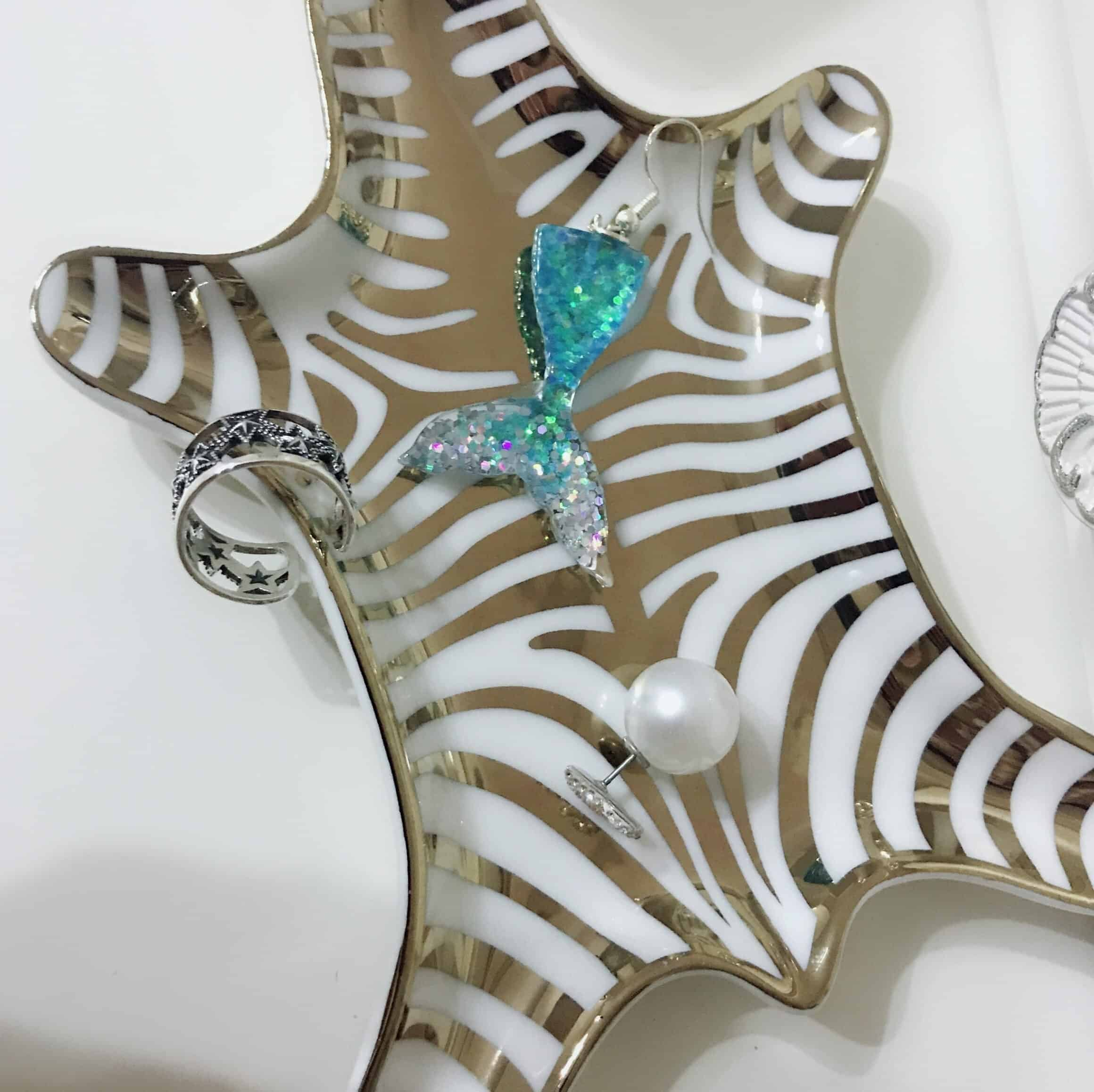 Gorgeousiela Gortwinkle Plate/Decorative Tray
