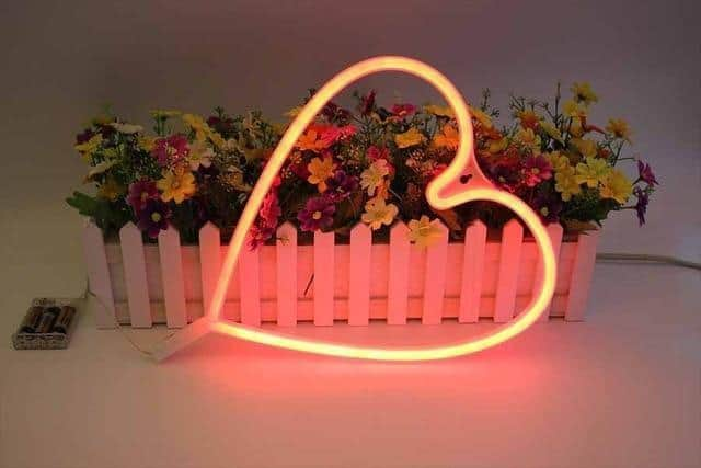 Superstar Love me NOW Wall/Desk Lamp Table/Wall lamp Red heart